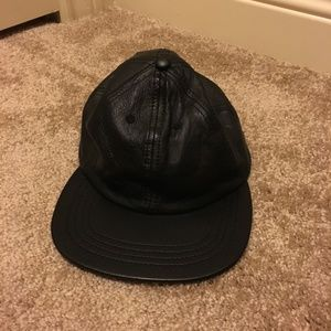 Black leather snapback hat American Apparel